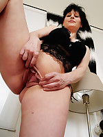 Allesandra - Georgeous Dirty Mature