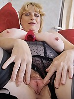 Rachael - Mature Big Tits and Big Pussy Lips Too