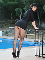 Pantyhose Diva dressed like a model